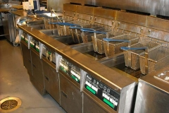 DEEP FRYER IN FAST FOOD KITCHEN (FOOD PROCESSING)